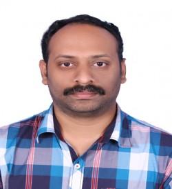 Dr  Vinith R