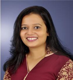 Dr  Nidhi M